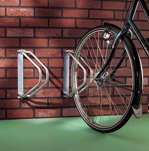 Držák na kola - výkyvný stěnový pro 1 kolo