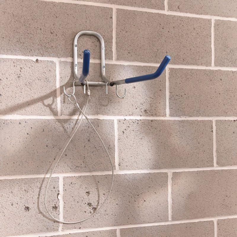 Držák kola na zeď sklopný s lankem
